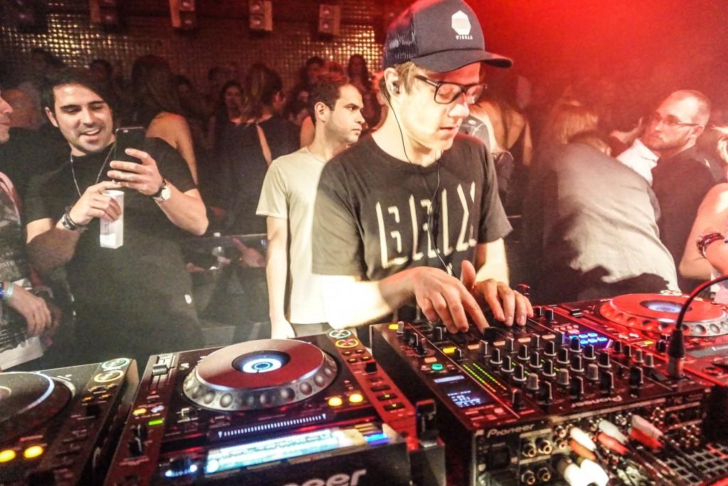 Posh, DJ In The Mixes