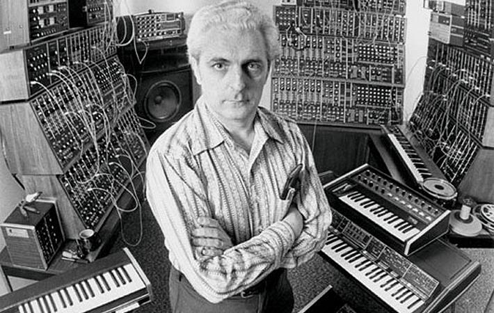 Robert Moog e seus syhnths!