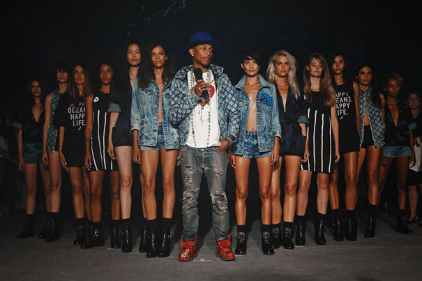 Pharrel Wiiliams sócio da G-Star