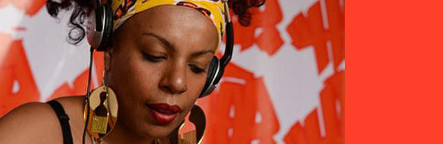 DJ Vivian Marques